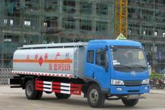 解放运油车