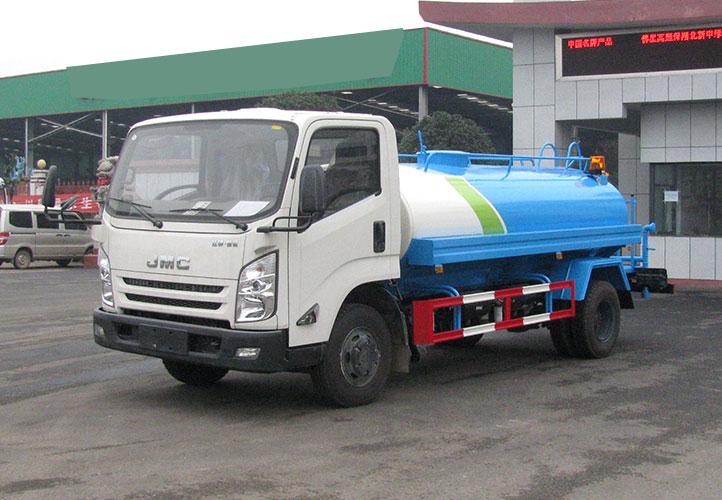 国六江铃洒水车