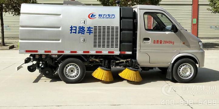东风小康扫路车(优惠价格请电话联系)