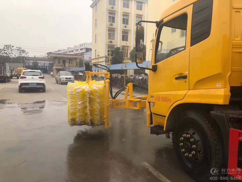 东风天锦城市护栏清洗车